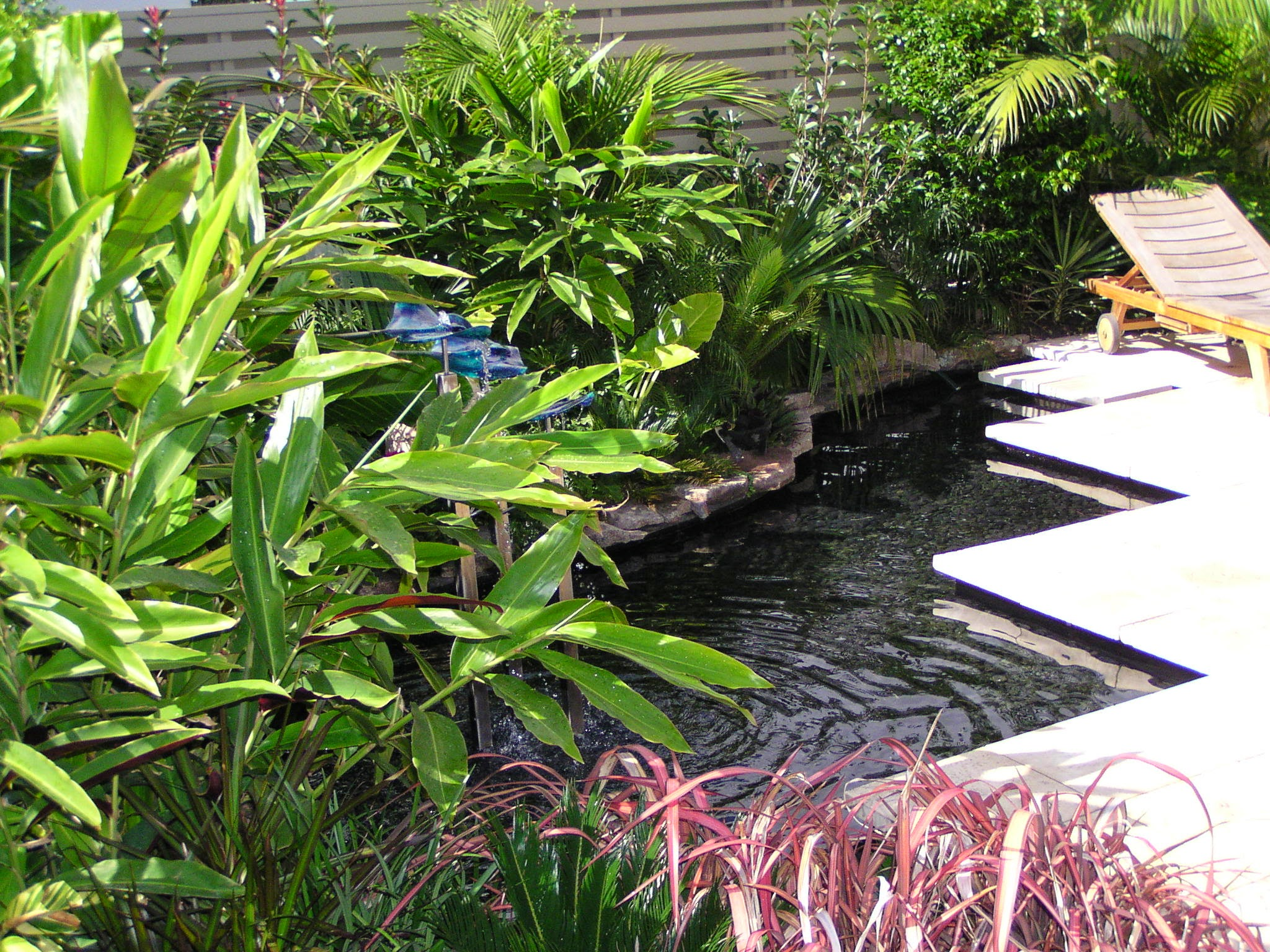 Water feature pond